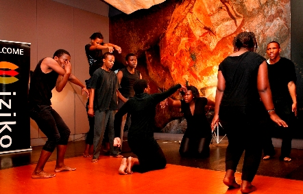 Performances-in-the-RockArt-Gallery