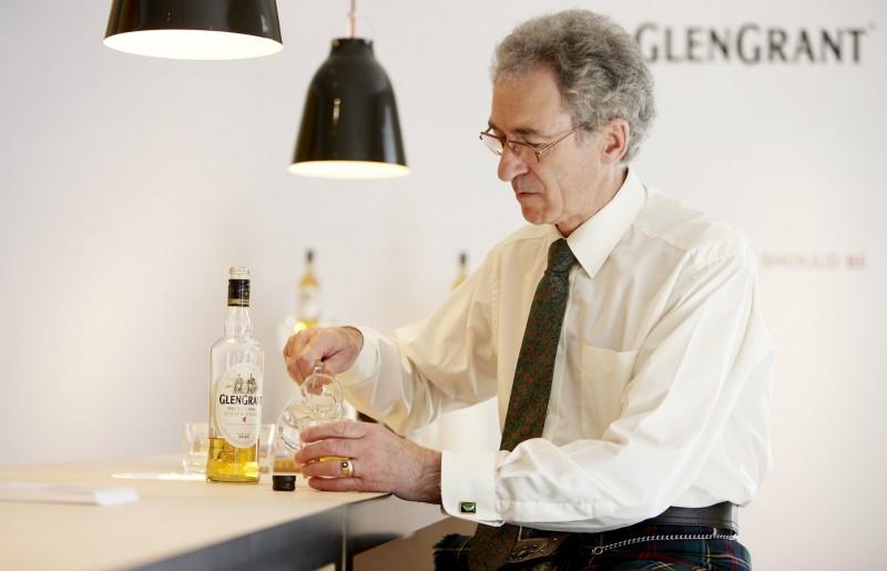 Dennis-Malcolm-Master-Distiller03