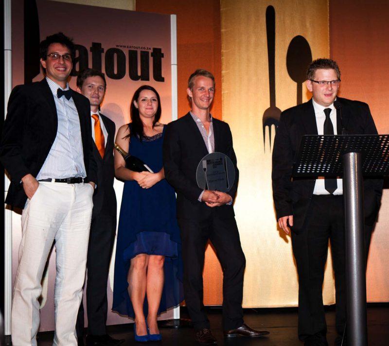 Service-Excellence-Award_Rust-en-Vrede_John-Shuttleworth_Chef-at-Rust-en-Vrede_and-team