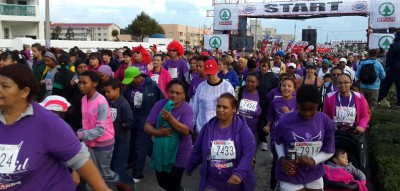 Wet women's race attract record entries