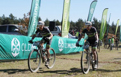 Lill, Woolcock sprint to third stage win at joBerg2c