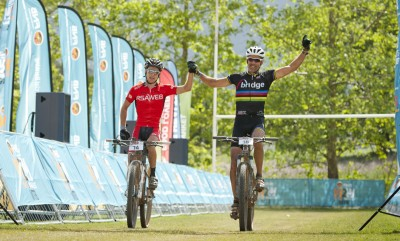 Groustra and Pfitzenmaier on song for Knysna 200