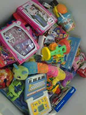Heart 104.9FM and Game brings Christmas cheer to children in need with Toy Story 2014