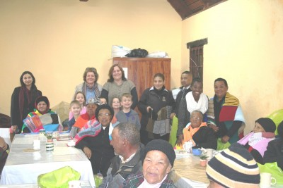 FANCOURT'S SECOND 'KNITTING FOR CHARITY' BLANKET DRIVE KEEPS  SENIOR CITIZENS WARM THIS WINTER