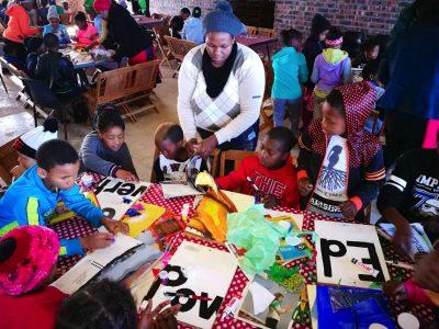 Kouga kids make art for Mandela Day