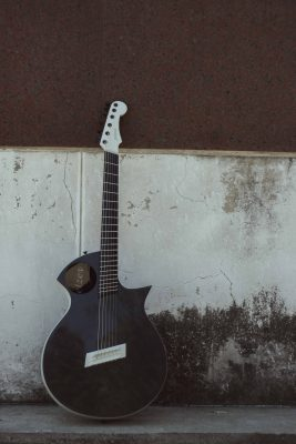 HELP CROWD FUND SOUTH AFRICA'S FIRST CARBON FIBER ACOUSTIC GUITAR