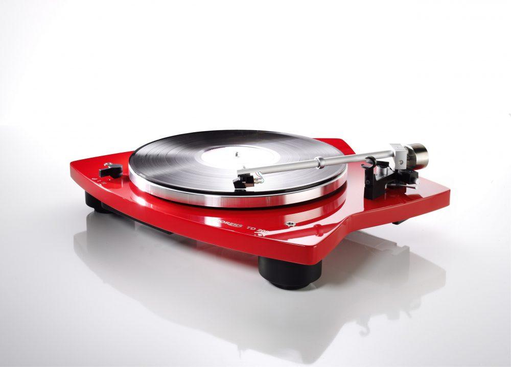 Stylish Vinyl Turntables Photo: Homemation