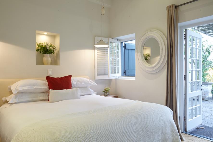 La Provencale bedroom