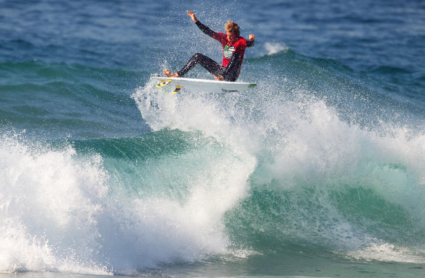 Beyrick De Vries en route to a Corona JBay Open Wildcard Photo: © Van Gysen
